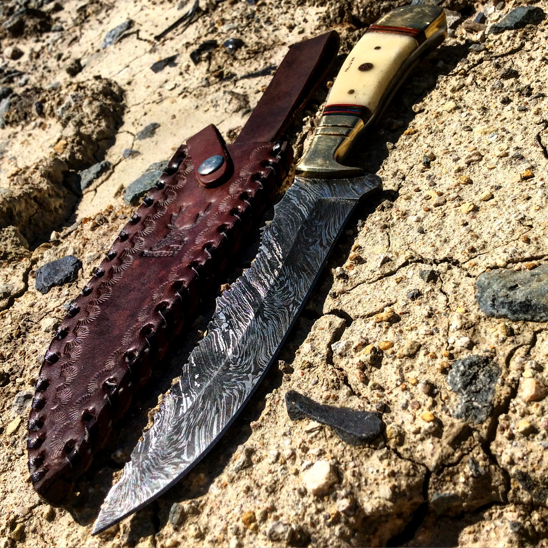 10.5 in. Damascus Blade Hunting Knife with Sheath TheBoneEdge