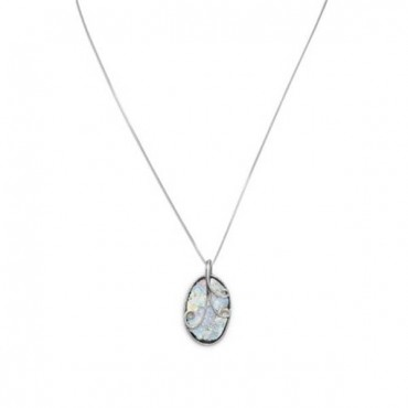 18 in. Oval Roman Glass with Wire Design Necklace