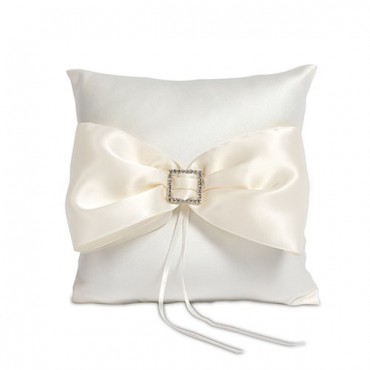 Beverly Clark Duchess Ring Pillow In Ivory