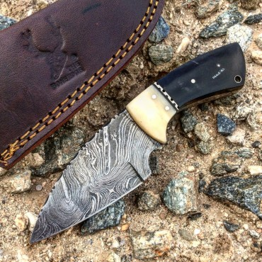 TheBoneEdge 7 in. Damascus Fixed Blade Full Tang Black Horn & Bone Handle Knife