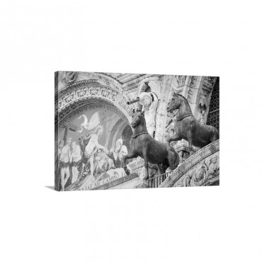 Bronze Horses And Mosaic Above The Entrance To Basilica San Marco Venice Veneto Italy Wall Art - Canvas - Gallery Wrap