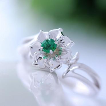 Emerald Flower 14K Gold Ring