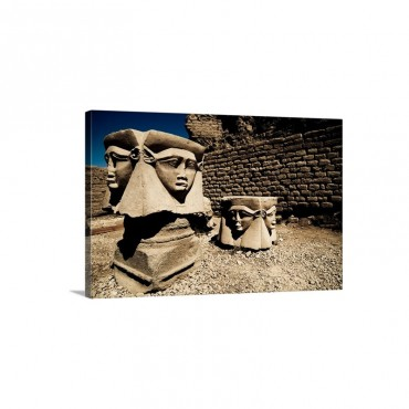 Statues Of The Egyptian Goddess Hathor Wall Art - Canvas - Gallery Wrap